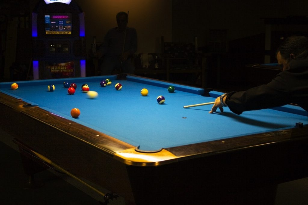 Lift Your Game & Best Pool Table Covers (Top 6 Reviewed) For 7 8 and 9 Foot Tables